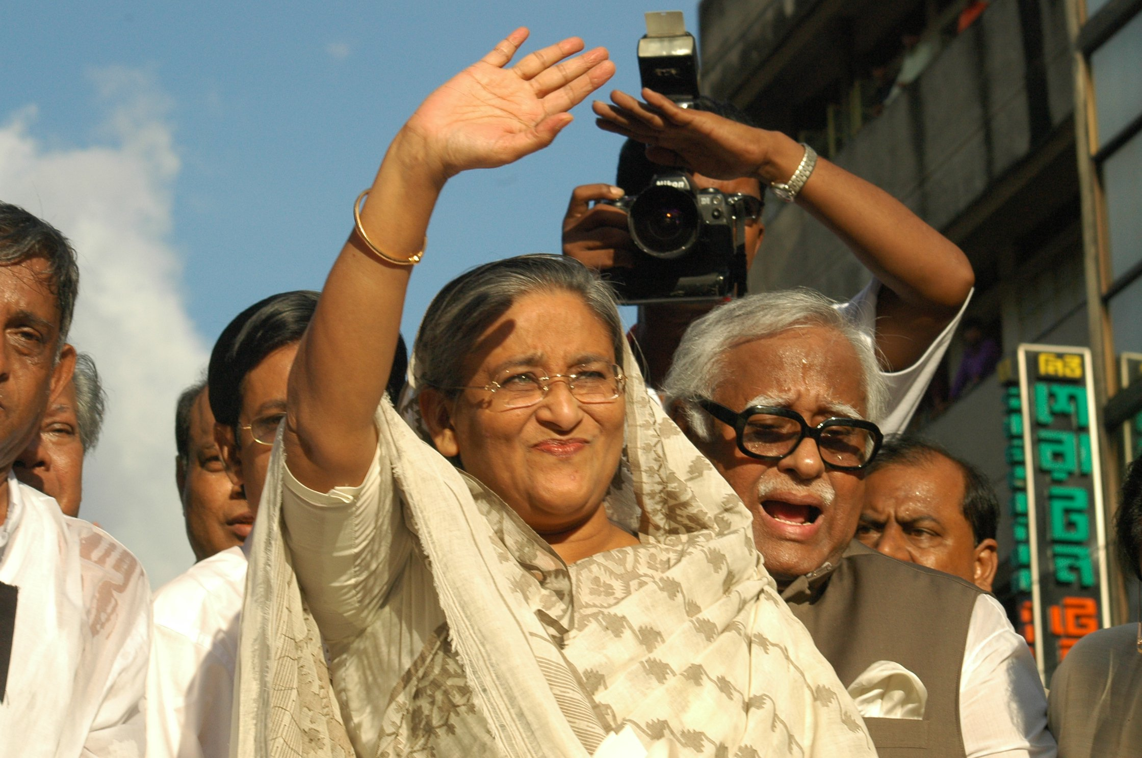 Just before the grenade attacks, the then opposition leader Sheikh Hasina waves at her party men gathered at a protest rally in front of Awami League headquarters on Bangabandhu Avenue in Dhaka on August 21, 2004. Photo: Anisur Rahman