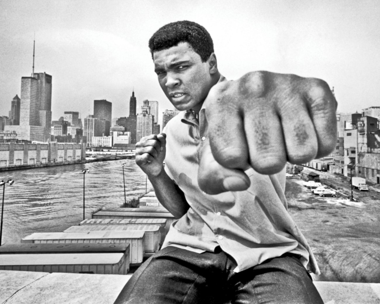 muhammad ali hero essay In 2010, actor and comedian billy crystal wrote an essay for usa today sports on what muhammad ali means to him.