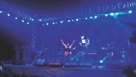 James rocks Sylhet at 'Down to Earth'