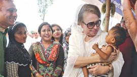 Khaleda Zia visits Rohingya