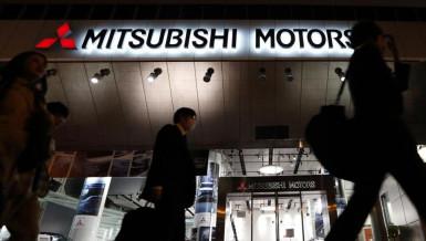 Mitsubishi apologises for fuel economy scandal