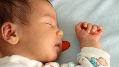 CBS News, Sudden Infant Death Syndrome, Dr Jon LaPook, dangerous sleeping position