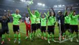 Ajax hit back with 10 men to stun Schalke