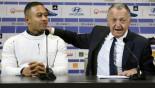 Lyon sign Depay