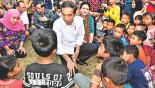 75,000 flee Bali