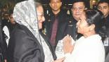 Hasina presents Mamata 20kgs hilsa