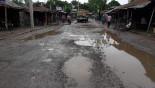Lalmonirhat-Burimari road turns risky for traffic