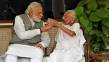 Modi's photos with his mom win Twitter