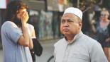 Man drives van into crowd of Muslims