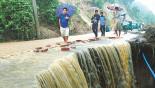 Latest Landslide: Rain disrupts rescue work in Bandarban