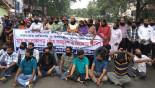Journos threaten hunger strike, chain of demo