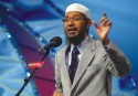 Amid Dhaka row, Zakir Naik calls IS 'un-Islamic'