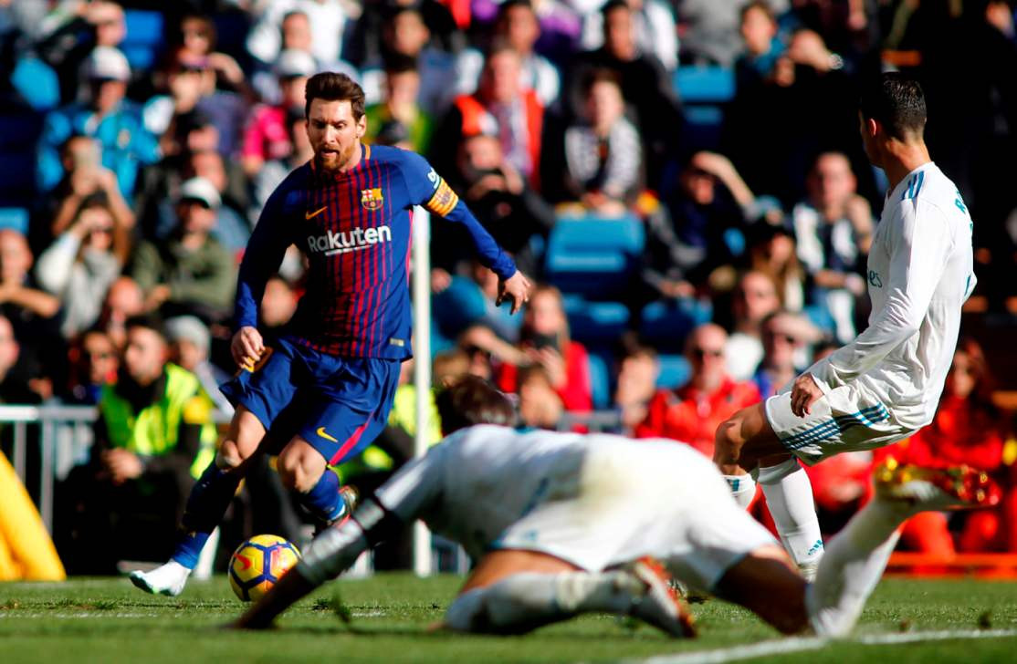 Messi shines as Zizou makes Clasico error