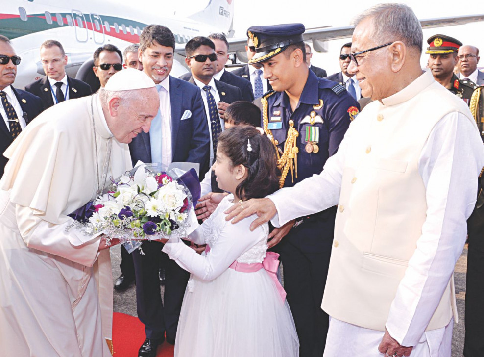 Pope Francis urges Myanmar youth to defend human rights