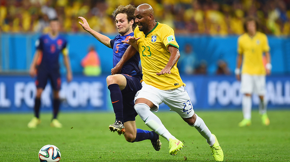 Daley Blind of the Netherlands challenges Maicon of Brazil during their World Cup third place play-off match at the National Stadium in Brasilia on July 12, 2014. Photo: Getty Images