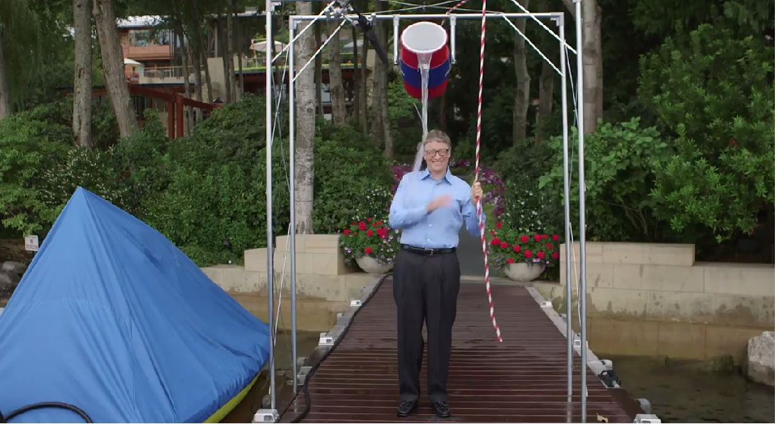 Microsoft CEO Bill Gates takes Facebook founder Mark Zuckerberg's ALS ice water challenge in the most Nerdiest way possible. Photo: YouTube grab