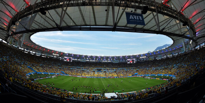 A general view shows the training of football teams prior to the Round of 16 football match between Colombia and Uruguay at the Maracana Stadium in Rio de Janeiro during the 2014 FIFA World Cup on June 28, 2014. Photo: Getty Images