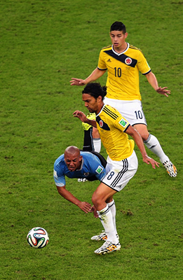 Egidio Arevalo Rios of Uruguay and Abel Aguilar of Colombia compete for the ball during the 2014 FIFA World Cup Brazil round of 16 match between Colombia and Uruguay at Maracana on June 28, 2014 in Rio de Janeiro, Brazil. Photo: Getty Images
