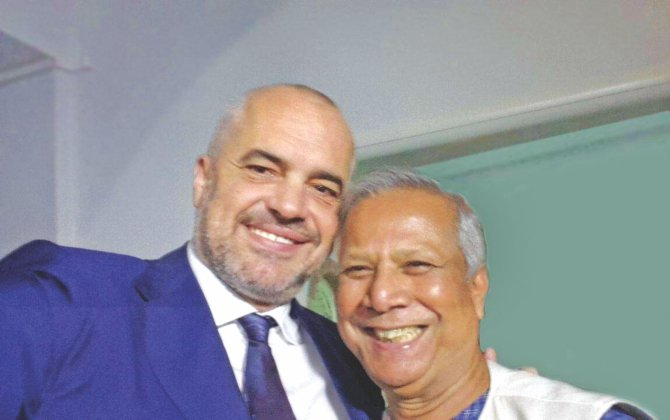 Prime Minister of Albania Edi Rama takes a selfie with Nobel laureate Professor Muhammad Yunus during the launch of Social Business Week in Tirana, Albania from November 3-8. Photo: Yunus Centre