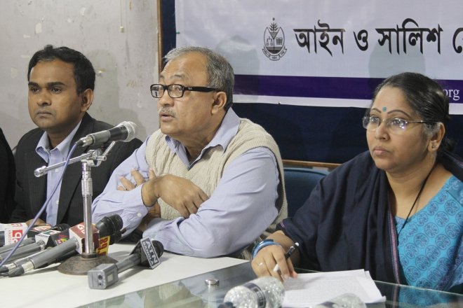 "Ain o Salish Kendra acting executive director Noor Khan address a press conference of the rights body to publish a report styled ""Human Rights Situation in Bangladesh, 2013"" at Dhaka Reporters Unity in the capital yesterday. On his right is Abu Ahmed Faizul Kabir, senior investigator of the ASK; and on his left is Sanaiya Fahim Ansari. Photo: Star"
