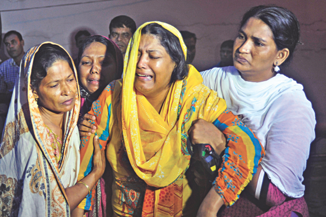 Wife and other family members leave United Hospital on receiving the body of Mohammad Aslam, 58, who died at the hospital two days ago. The hospital agreed to release the body only after the family signed a deal to pay dues of Tk 15 lakh in the next five months.  Photo: Star