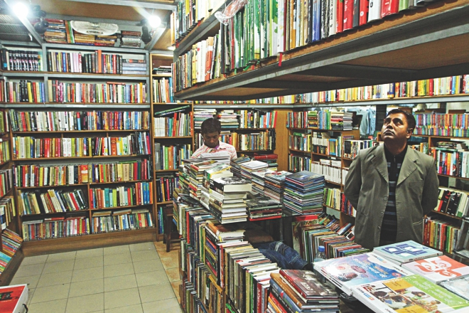 Falling sales have become a common phenomenon at bookstores across the city of late because of the ongoing political impasse. Photo: Star