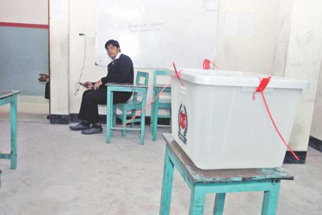 A polling station in Dhaka: even though the EC has officially put the total number of votes cast  at around 40 percent, newspapers are littered with photos of empty voting centres. Photo: Prabir Das