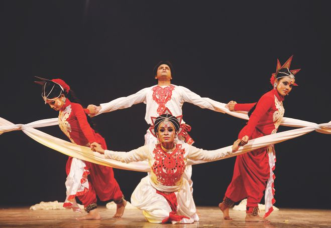 http://www.thedailystar.net/sites/default/files/upload-2014/gallery/image/arts/dance-day_1.jpg