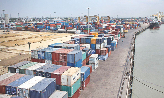 The New Mooring Container Terminal of Chittagong Port is yet to go into full-fledged operations though it was constructed seven years ago. Photo: STAR/file