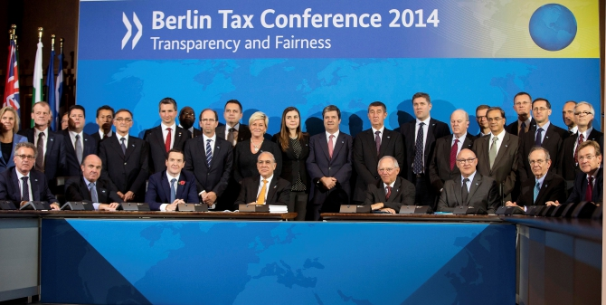 Fifty-one countries sign OECD pact to tackle tax cheats