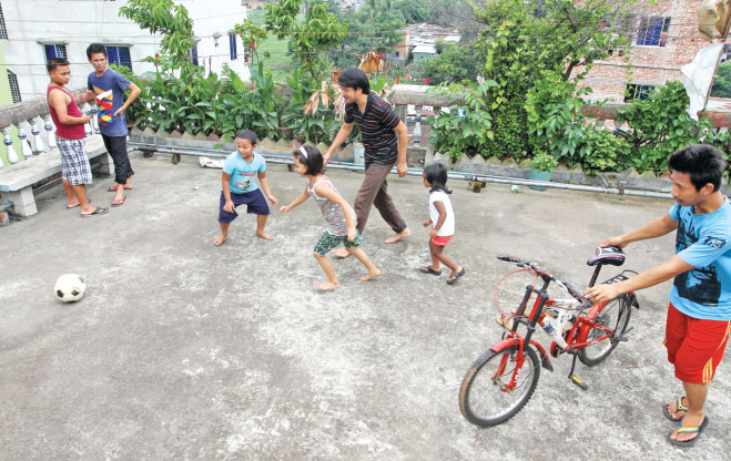 Children can be a great means to break the ice with your neighbours. Photo: Prabir Das