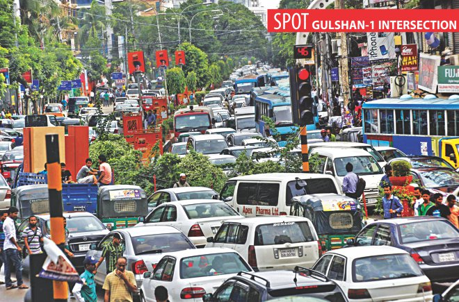 The road leading to Tejgaon from Gulshan-1 intersection is heavily congested with cars around 3:00pm yesterday.  Photo: Rashed Shumon