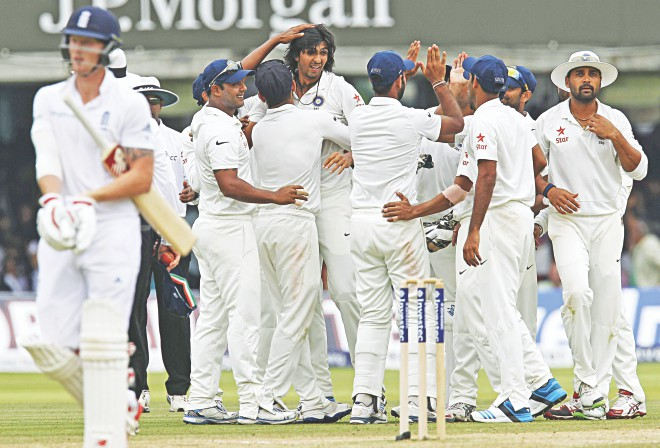 Ishant Sharma (C) is the toast of his teammates after the India pacer took the wicket of England's Ben Stokes (L) for nought on the fifth day of the second Test at Lord's in London yesterday. Sharma scripted India's win with seven wickets in the second innings. PHOTO: AFP