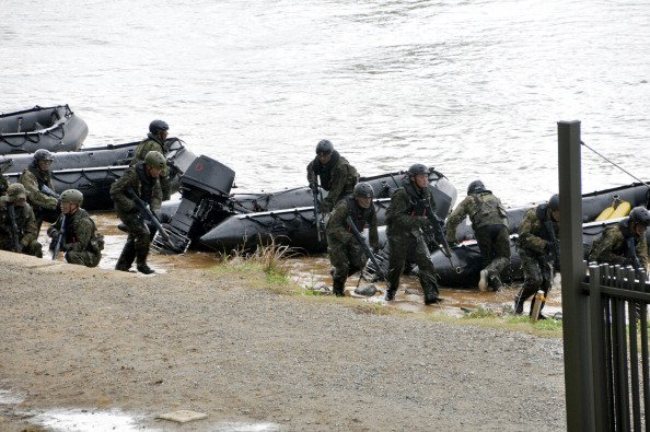 This file photo shows Japan Ground Self-Defense Force (JGSDF) members take part in a landing exercise in Nagasaki, Japan. Photo: Getty Images