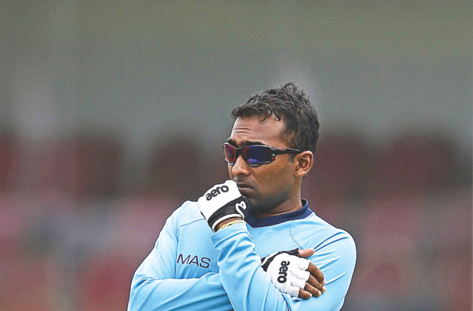 Sri Lanka batting maestro Mahela Jayawardene looks on during a practice session in Galle yesterday, ahead of his team's first Test against Pakistan. Jayawardene will retire from Test cricket at the end of this two-match series. PHOTO: REUTERS