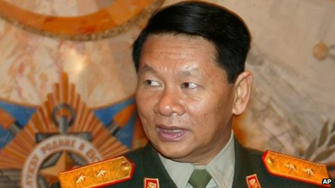Laos defence minister's plane crashes