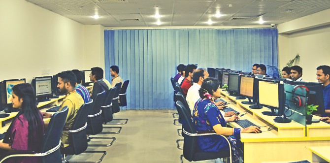 A look inside the Dhaka offices of ServicEngineBPO, a US-Bangladesh joint venture providing outsourcing services. Photo: ServicEngineBPO