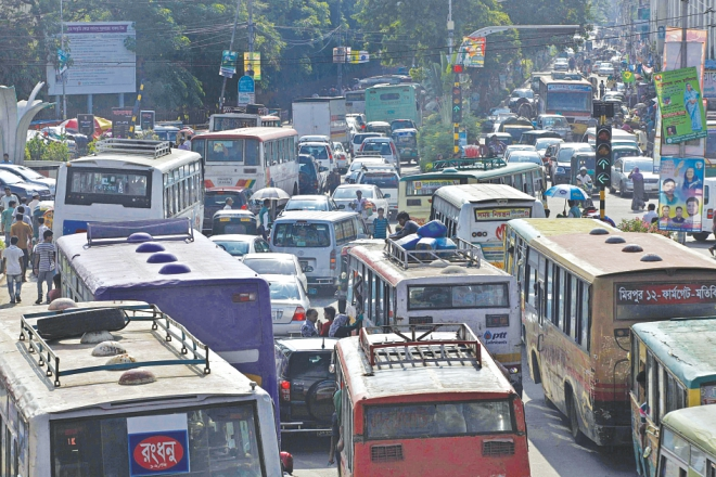 Buses are in all lanes at Shahbagh making the congestion even worse.  Photo: Rashed Shumon