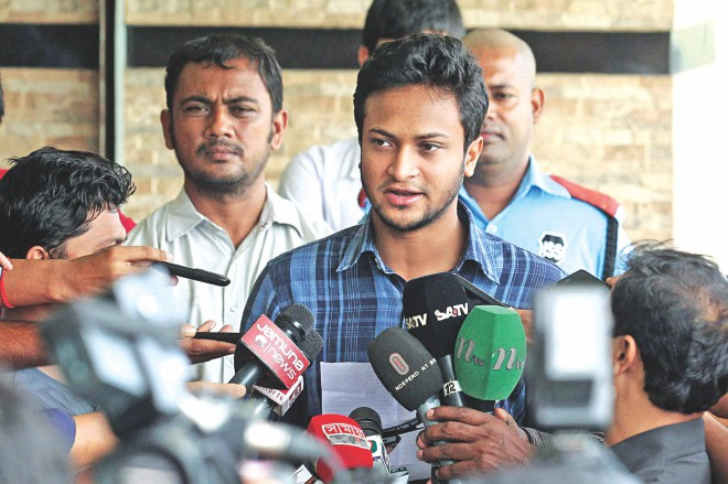 Shakib Al Hasan read out an apology note during a press conference at the Sher-e-Bangla National Cricket Stadium in Mirpur yesterday. He said he was sorry for his behaviour which led to him getting suspended by the BCB earlier this month and requested the board reconsider its decision.    Photo: Star