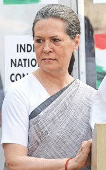 Failed to gauge public mood, admits Sonia