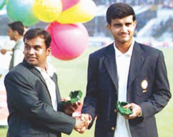 In the debut test, captain of Bangladesh cricket team shook hands with his Indian counterpart. Photo: Anisur Rahman