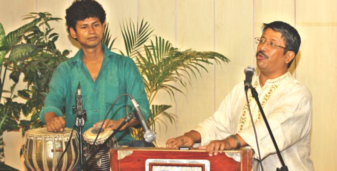 Sumon Chowdhury performs