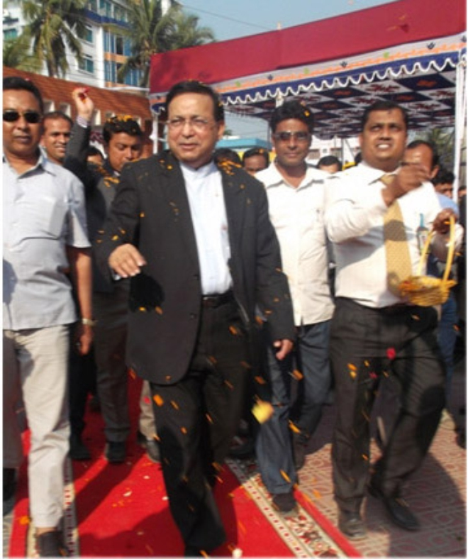 Abdul Matlub Ahmed, chairman of Nitol-Niloy Group, visits the four-day Tata fair in Mymensingh recently. Photo: Tata