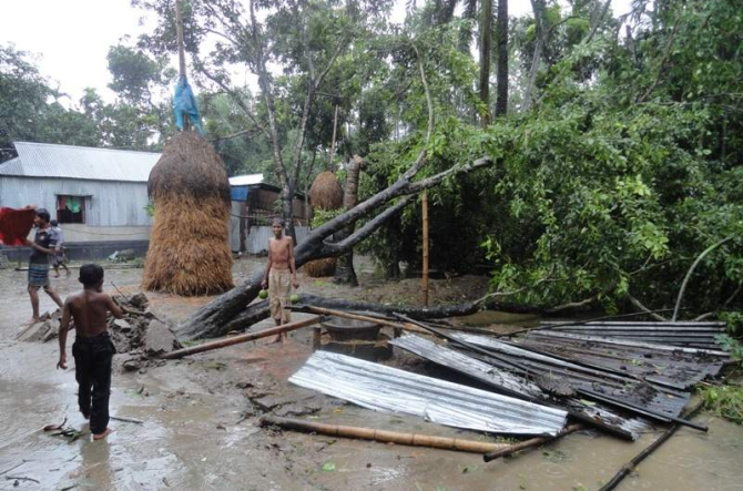 Another area lashed by tornado in Lalmonirhat Sadar upazila the same day. PHOTO: STAR
