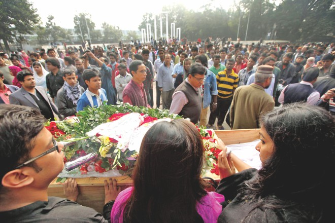 Friends, family and fans pay last tributes to an artiste of great stature. PHOTO: RIDWAN ADID RUPON