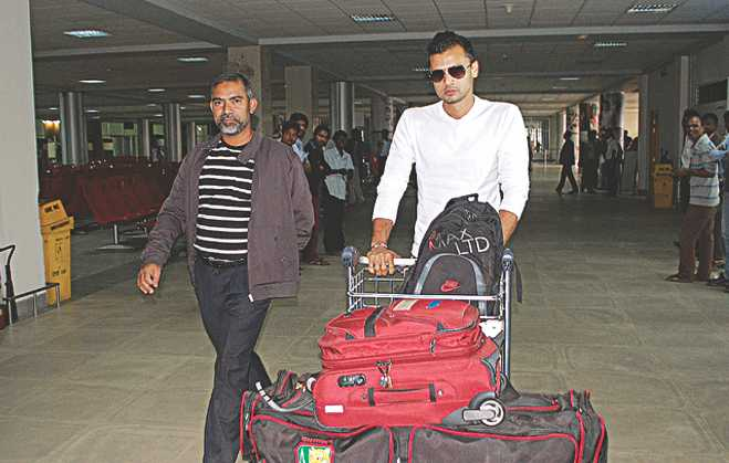 Bangladesh pacer and Mohammedan skipper Mashrafe Bin Mortaza disembarks at the Osmani International Airport in Sylhet last Saturday to start a much-needed T20 tune-up in the Victory Day T20 Cup.