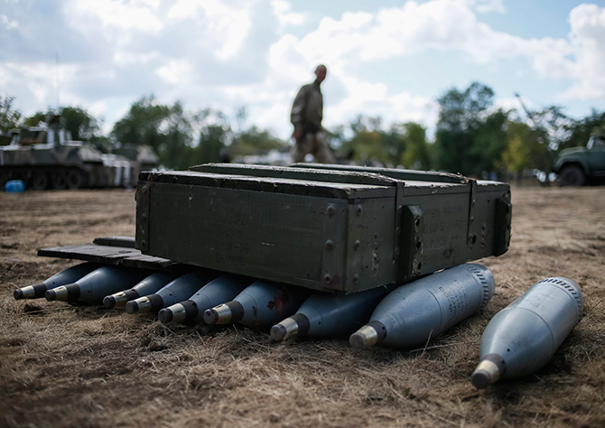 Shells are seen in a Ukrainian army camp near Debaltseve, Donetsk region, August 29, 2014. Photo: Reuters