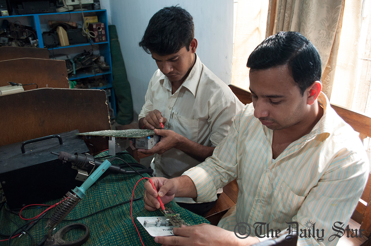 Rana Plaza victims take part in the electronics course along with other patients at CRP, hoping to rejoin society and earn their living afterwards. Photo: Moyukh Mahtab