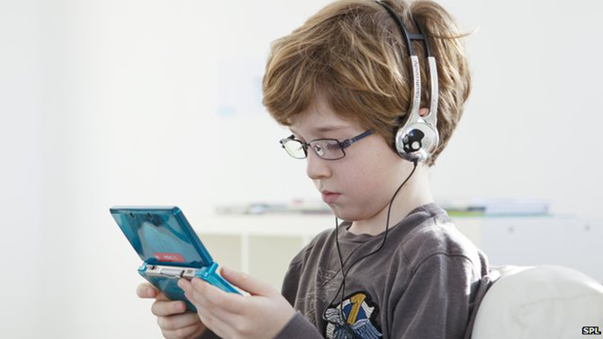 Three out of four young people said they played video games every day. This photo is taken from BBC.