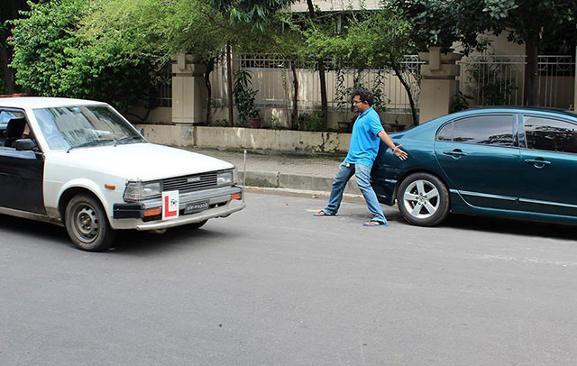 """Hug me, fair Corolla"", Photo: Ehsanur Raza Ronny"